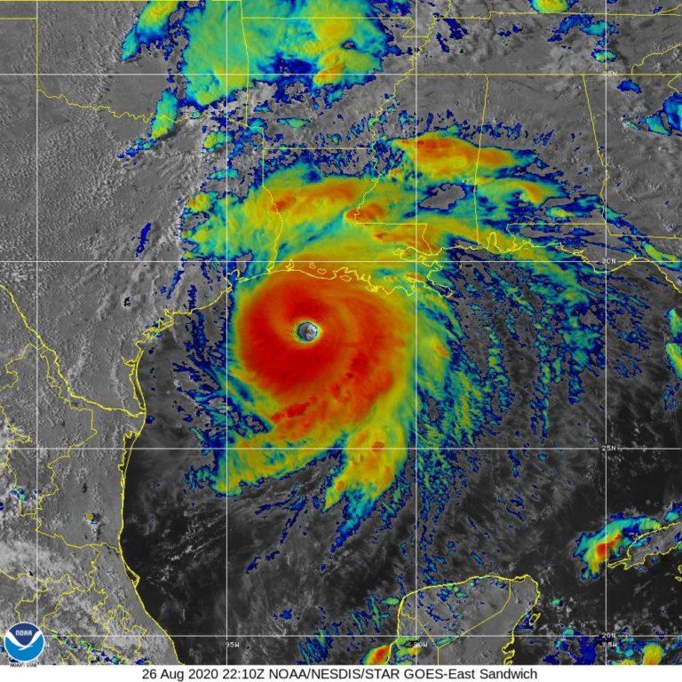 L'ouragan Laura en approche des côtes américaines
